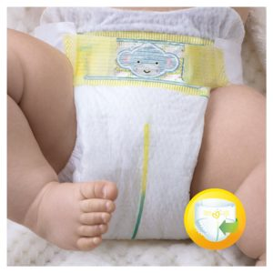 Pampers Premium Protection Windel an Baby